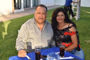 30062019 EN PAREJA.  Juan y María.
