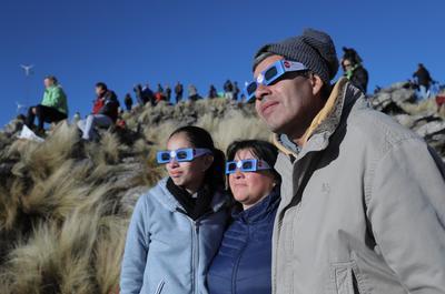 Cuestionado en las horas previas, Arias, que llegó esta mañana a San Luis desde Buenos Aires, se convirtió en un manojo de nervios: el eclipse son dos minutos y segundos pero la verdad que son horas.