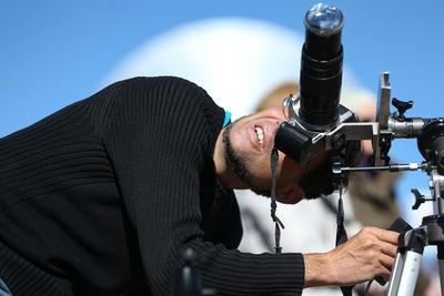 En una tarde soleada y despejada en San Luis, el aficionado a la astronomía argentino Mariano Arias dijo a Efe que, para él, poder ver un eclipse así es 'magia'.