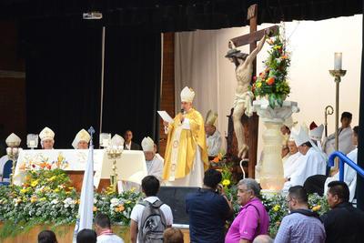 'Esta iglesia lo recibe con los brazos abiertos y colmado de fieles. Aquí lo recibe la memoria de nuestros segundo obispo, José Fortunato Álvarez Valdés'.