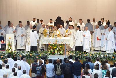 Esta iglesia lo recibe con los brazos abiertos y colmado de fieles. Aquí lo recibe la memoria de nuestros segundo obispo, José Fortunato Álvarez Valdés.