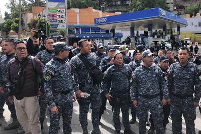 La protesta se llevó a cabo en las instalaciones del Centro de Mando de la Policía Federal, ubicado en la alcaldía de Iztapalapa, en el oriente de la capital.