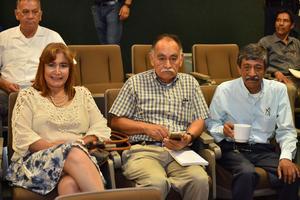 04072019 EN CONFERENCIA.  Laura Carmona, Felipe García y Jaime Santillán.