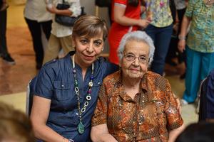 04072019 Olga y Mayela.