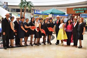 05072019 DíA DE PRESENTACIóN.  El grupo de baile de salón Togole se presentó con gran éxito en el atrio principal de Plaza Cuatro Caminos, donde dieron una demostración de baile.