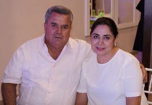05072019 RECIENTE EVENTO.  Víctor y Liliana.