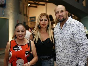 María Elena, Any y Marcos