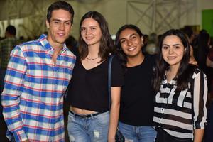 Gaspar, Mariana, Halema y Sara