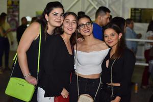 Isabella, Vanessa, Diana y Daniela