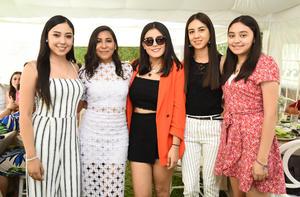 Karla, Andrea, Mariana, Vanessa y María