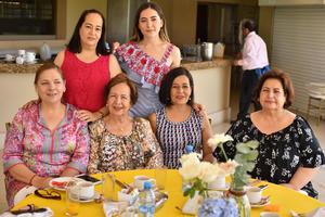 Alejandra, Isabella, Patricia, Martha Alicia, Adriana y Tita