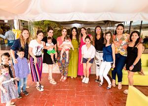 Barby, Daniela, Samantha, Martha, Isabel, Gaby, Ana, Mayela, Carmen y Paola