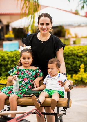 Samantha Carreón, Emilia y Eduardito