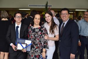 Carlos, Alejandra, Natalia y Carlos