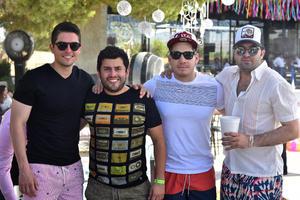 Santiago, Andrés, Alejandro y Sebastián