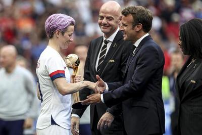 La estadounidense Megan Rapinoe fue elegida la mejor jugadora de la final del Mundial femenino de Francia 2019.