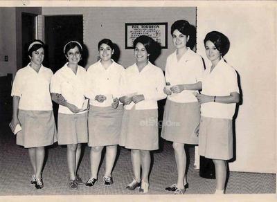 Equipo de Boliche del Banco Comercial Mexicano en 1965: Mercedes Barba, Graciela Arenal, Genoveva Castro, María Elena Sánchez, Patricia Simental y Magdalena Niño de Rivera.