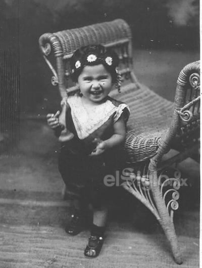 Victoria Chapa de Arratia a los 2 años de edad en 1929.
