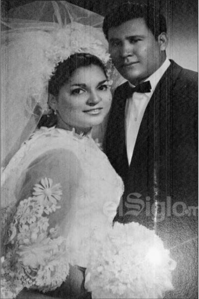 Rosario Barraza Barraza y Carlos Coto Córdova el 20 de abril de 1969.