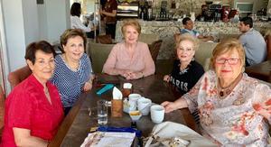 07072019 TARDE DE REENCUENTRO.  Reunión de exalumnas del Colegio Americano: Amelia Perches, Elena Kesler, Mague Willy, Avelina Rodríguez y Susana Muro.