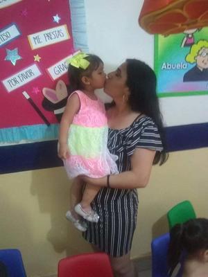 07072019 CUMPLE 2 AñOS.  Emily Zoe con su mamá, Fernanda Yasmín de Santiago Jaramillo, en su fiesta de cumpleaños.