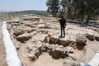 Consideran que están sobre una geografía en la que el relato bíblico narra el refugio de David al amparo del monarca filisteo Achich, cuando escapaba del primer rey israelita Saul.