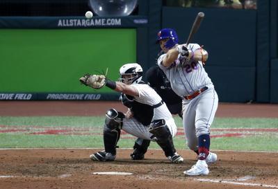 En cambio, el diamante se convirtió en el paraíso de los lanzadores, al menos hasta los últimos innings.