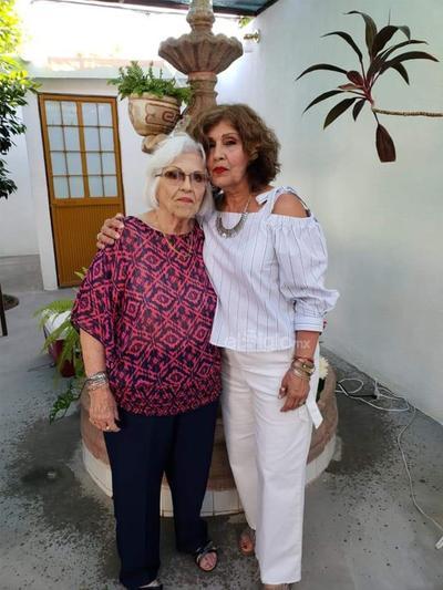 Cumpleaños de Elva Ávila y Martha Elva.