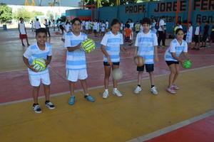 11072019 La clase de natación es de las preferidas de niños y jóvenes.