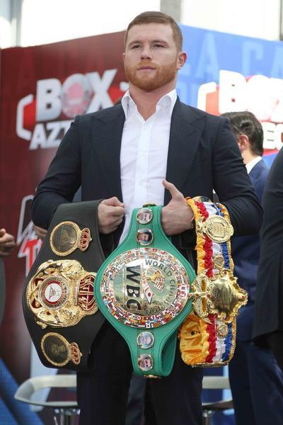 El boxeador mexicano Canelo Álvarez décimo con 94 millones.