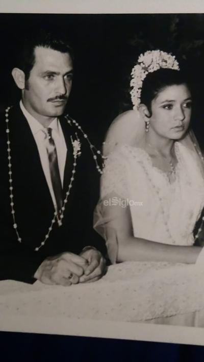 Jorge Padilla y Alma Delia Miranda en su boda.