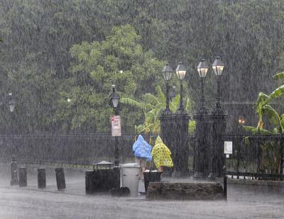 La tormenta generó una densa precipitación.