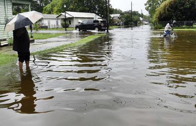La tormenta tropical 'Barry' ha arrojado fuertes lluvias y vientos.