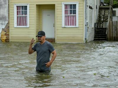 Se lanzaron advertencias de inundaciones.