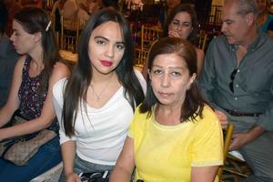 13072019 EN FAMILIA.  Samantha y Blanca.