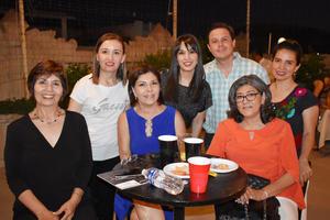 13072019 MUY CONTENTOS.  Nuria, Paola, Salma, Helue, Carlos, Isabel y Lily.