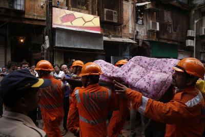 Se espera que el número de víctimas continúe subiendo a medida que avancen las labores de rescate.