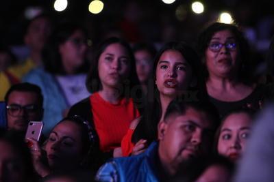 Sus seguidores querían cantar y bailar en el evento que marcaría el inicio de la 'fiesta de todos'.
