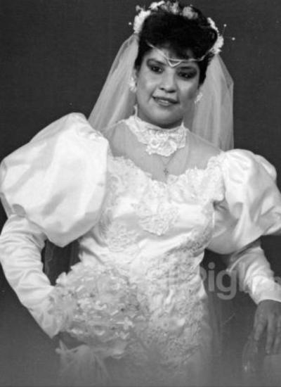 Srita. Lorena Santos Herrera el día de su boda con Juan Burciaga un inolvidable 22 de julio de 1989.