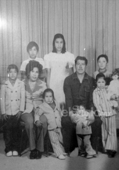 Sr. Carlos González Romero y Familia Gónzález Ortiz.