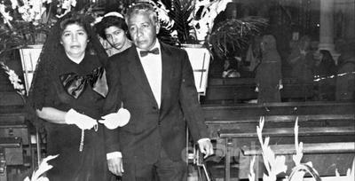 Sra. Aurora Machado de Vázquez y Sr. Arturo Vázquez en su misa de aniversario hace ya varios años.