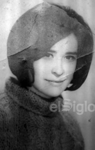 Srita. Emilia Orozco hoy está cumpliendo 69 años.