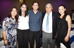 Gloria, Mary, Ricardo, Margarito y Nadia