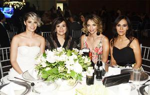 Bessie Batarse, Marilú Portilla, Bárbara Silva y Claudia Pérez