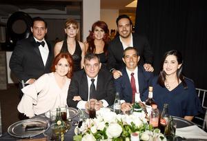 Manlio Jr., Sandy, Luis Alfonso, Bety, Manlio, Héctor, Linda y Silvia