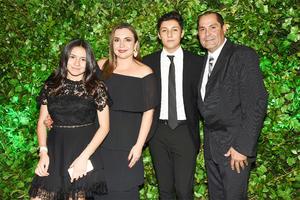 Valeria, Ana Lucía, Jaime y Jaime Villalobos