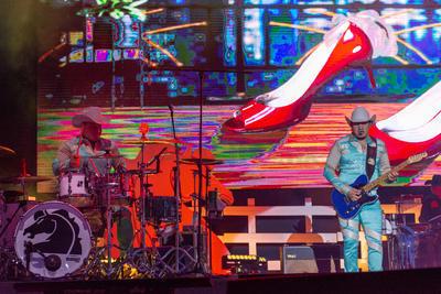 'Con zapatos de tacón, 'Quiéreme como te quiero' y 'Te quise una vez' fueron las canciones que Lupe, René y José Esparza, Javier Cantú y Ramiro Delgado Jr. interpretaron después.