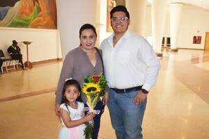 25072019 EN FAMILIA.  Rocío, Dante y María Emilia.