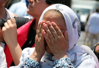 Algunos tunecinos no pudieron contener las lágrimas.