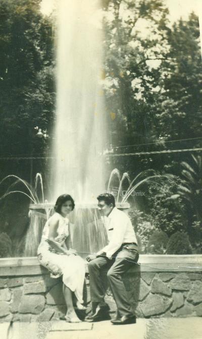 Mario y Conchita Córdova Aguilera, en su luna de miel en Guadalajara, Jal. Hace 55 años. Hoy recuerdan gratos momentos.